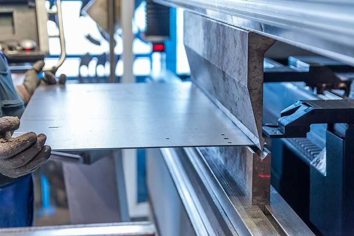 Odpowiedzialne elementy konstrukcji maszyn - jaką wybrać do nich stal?