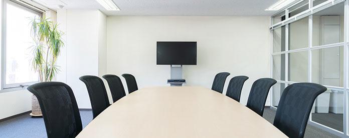 Wyposażenie sali konferencyjnej – o czym warto pamiętać