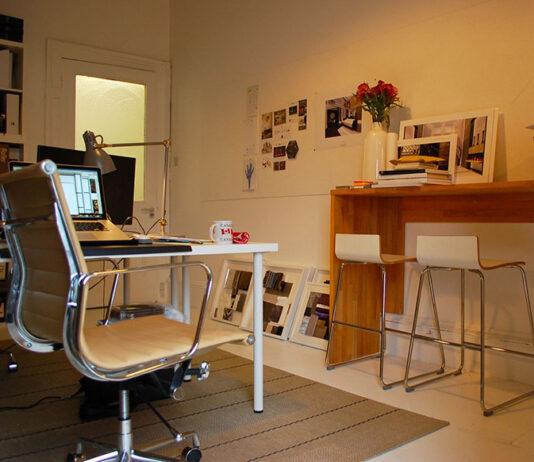Jak tanio wyposażyć ergonomiczne stanowisko pracy